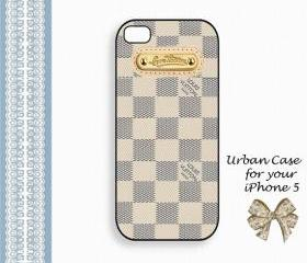 Louis Vuitton Smart White Smart Gold Case Hard Case iPhone 5 Case, iPhone case, iPhone 5 Case, iPhone 5 Cover, Hard iPhone 5 Case Original Design